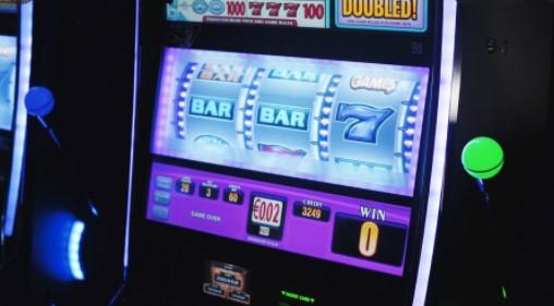 Video póquer: cómo localizar la máquina tragamonedas de video póquer ideal y ganar